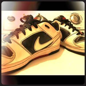 Low top Nike's